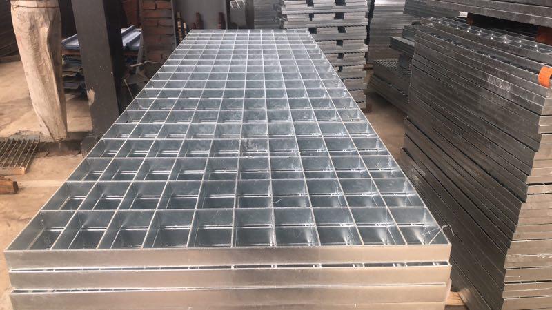 镀锌钢格栅板.jpg