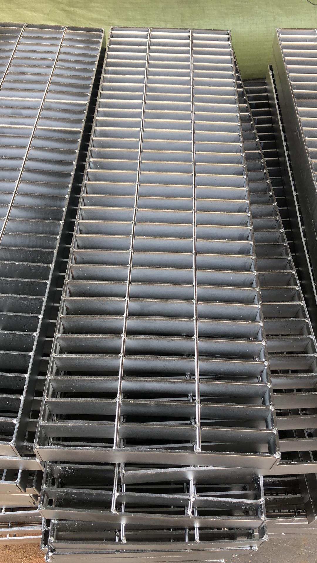 钢格栅板常用的小知识。
